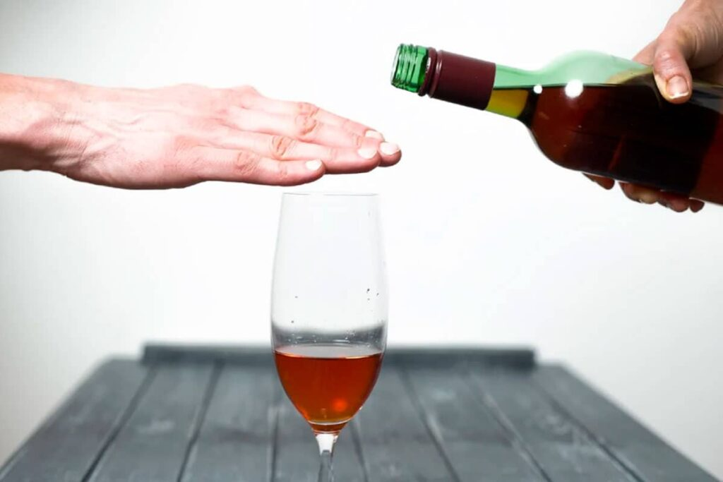 Psychological changes after stopping alcohol consumption
