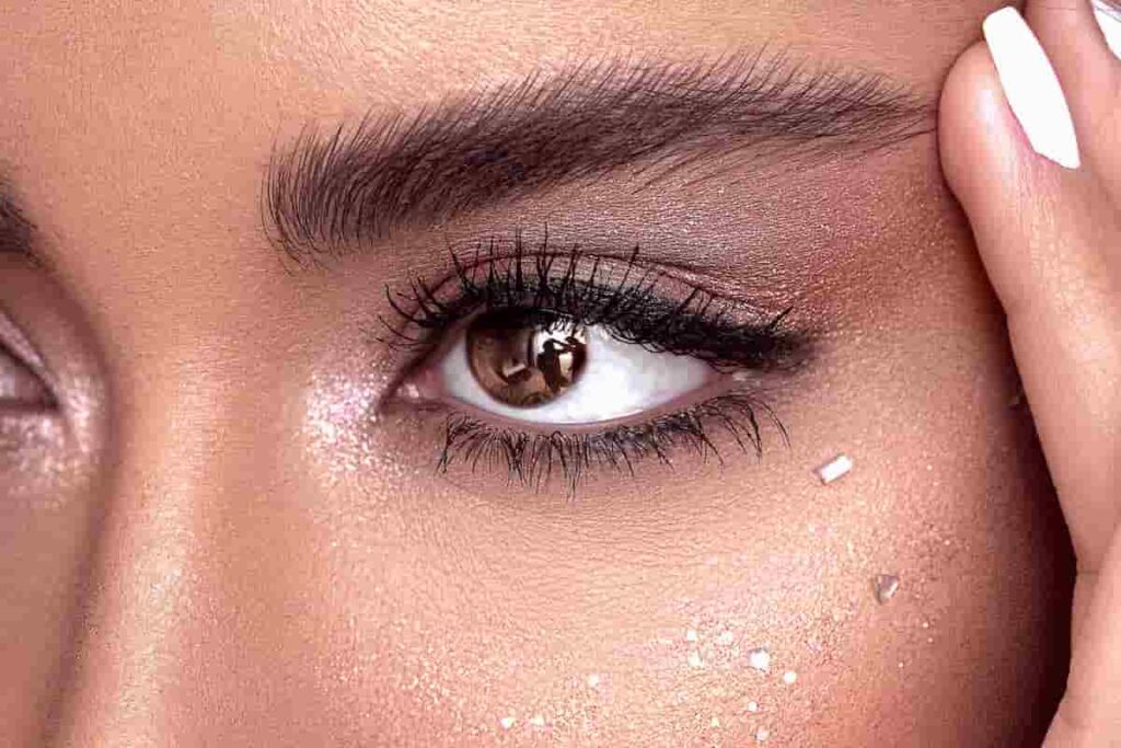 why are my eyes so sensitive to makeup?